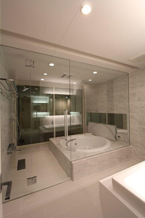 Geschlossene Dusche / Wanne