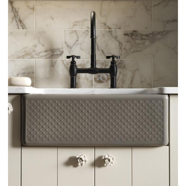 Kohler Farmhouse Sink - love the look of these sinks
