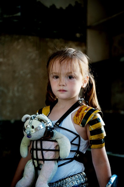 Lil girl from the post-apocalyptic zombie-slaying photo shoot. /\ - 
