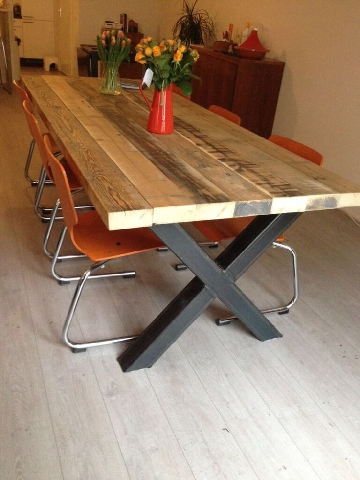 Naast groothandel is VanSloophout.com gespecialiseerd in maatwerk voor particulier en zakelijke klanten. Zo maken wij tafels, vloeren, wanden, etc.