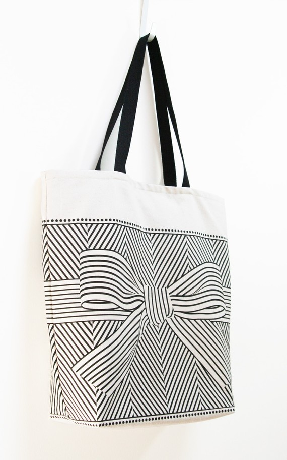 graphic, bow, tote... what's not to love?