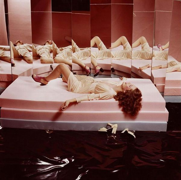 Guy Bourdin, French Vogue    http://www.tate.org.uk/whats-on/tate-liverpool/exhibition/glam-performance-style