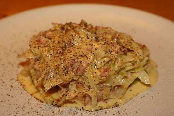 En favorit som kändes svår att vara utan när vi började med LCHF var spagetti carbonara, det åt vi ofta och gärna. Efter några veckor med LC...