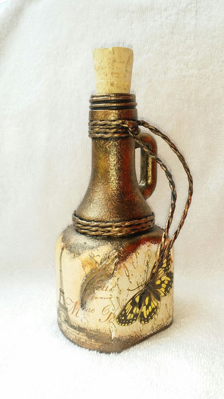 Botella decorada. Decoupage y metalizada