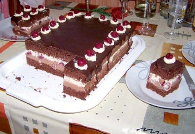 Csokikrémes-meggyes sütemény