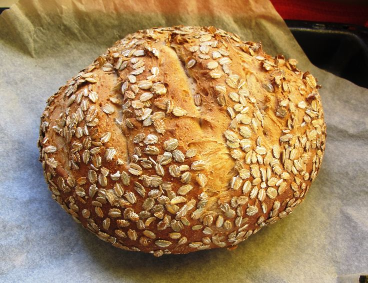 Loaf with yoghurt and oats, the perfect picnic bread!