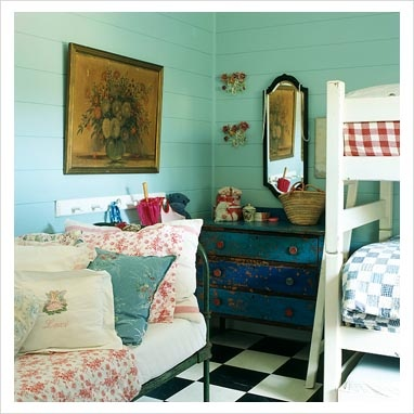 eclectic mix: Jen Rooms, Blue Drawers, Cottages Bedrooms, Cottages Dreamin, Brabourn Farms, Shabby Blue, Wall Color, Awesome Bedrooms, Rosie Cottages