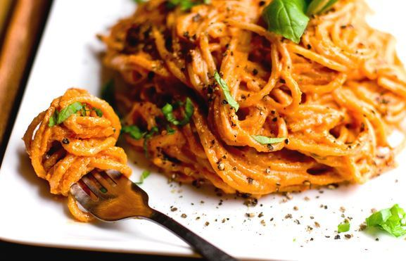 Simple and tasty, ready in 30 minutes...Pasta with sauce and eggs