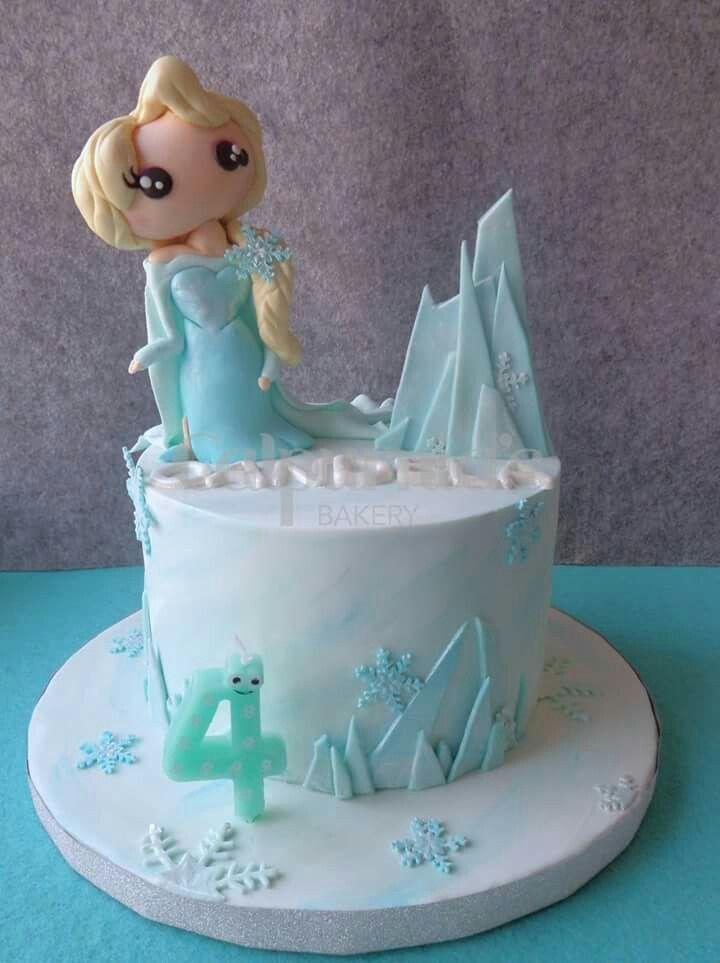 Frozen Elsa fondant cake