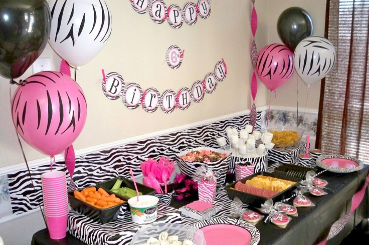 zebra table decorations for an animal print party. Black Bedroom Furniture Sets. Home Design Ideas