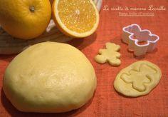 PASTA FROLLA ALL'ARANCIA -ricetta base dolce (Le Ricette di Mamma Leonilla) Link ricetta --> http://blog.giallozafferano.it/ricettefacililucia/pasta-frolla-allarancia-ricetta-base-dolce/