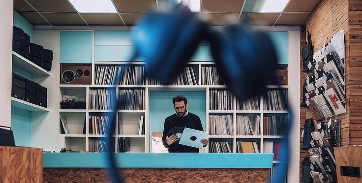 The Knocks – Worship (feat. MNEK)    Track of the week. Feel-good disco vibes.  https://youtu.be/knDYbnTfIIk