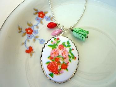 Wiesenstrauß Vintage Amulett Glasperlen Kette