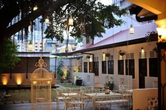 The Courtyard Boutique Hotel houses a total of only 11 deluxe guest rooms. These are tastefully furnished and fully-equipped with facilities and amenities to ensure a comfortable stay, and lead out to a courtyard where guests can take a moment to relax and escape the busy city life.