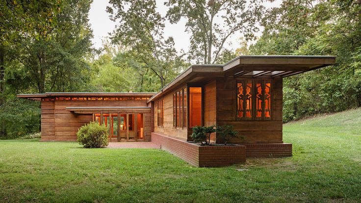 Pope-Leighey House, the Frank Lloyd Wright-designed Usonian house in Alexandria, Virginia