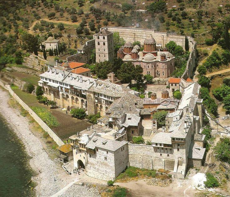 Ιερά Μονή Ξενοφώντος. Πανοραμική άποψη - Holy Monastery of Xenophontos. A panorama view.