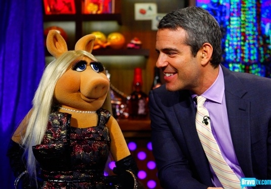 """Sow beautiful! Living legend, Miss Piggy, drops by the clubhouse to weigh in on Slade Smiley's use of her image as a punchline in his """"comedy"""" about Vicki. Hiya! bravoclubhouse"""