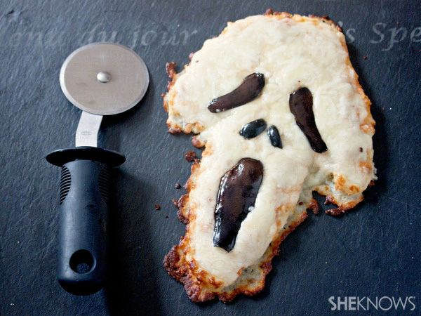 MINI PIZZAS FANTASMAGORICAS (Mini scream face pizzas) #RecetasFaciles #RecetasHalloween
