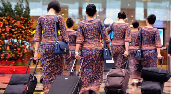 Apakah Anda penasaran berapa gaji pramugari maskapai seperti Garuda Indonesia, Lion Air? Pasti, jika Anda termasuk wanita yang mengidamkan menjadi pramugari.