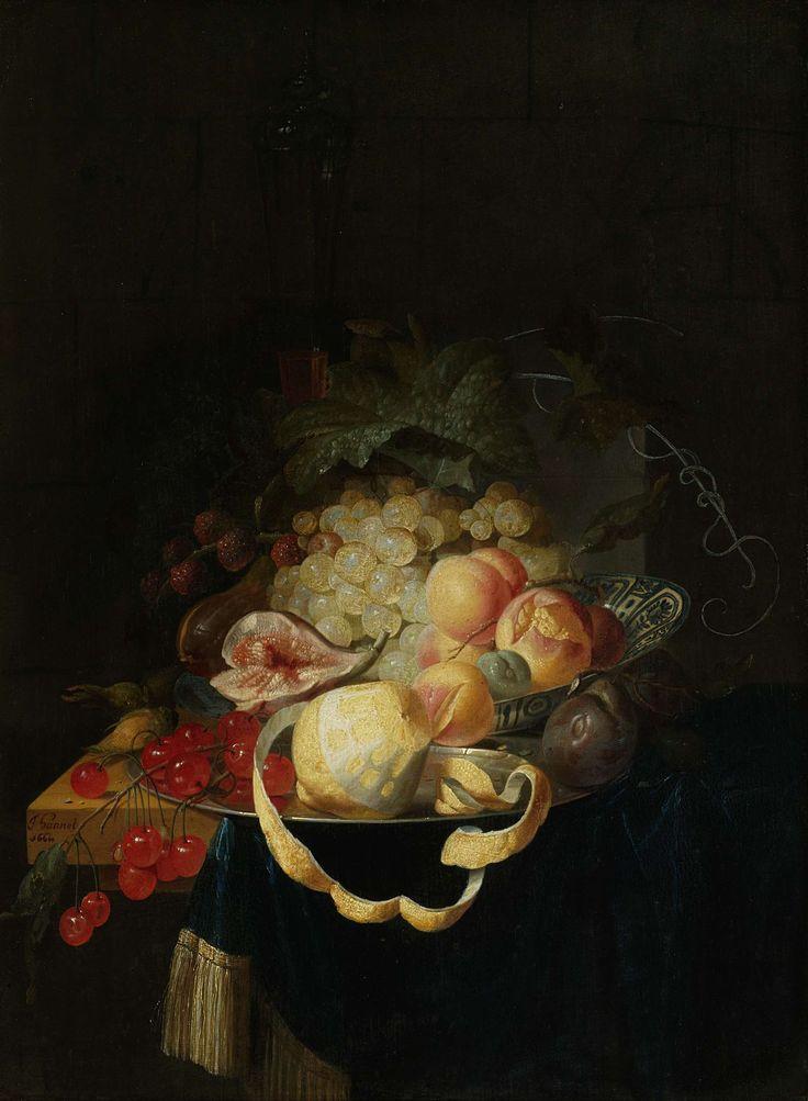 Johannes Hannot | Still Life with Fruit, Johannes Hannot, 1668 | Stilleven met vruchten. Op de hoek van een tafel staat een tinnen bord waarop een geschilde citroen en een tak met kersen liggen, daarachter een Chinese kom met druiven, een vijg, perziken en pruimen.