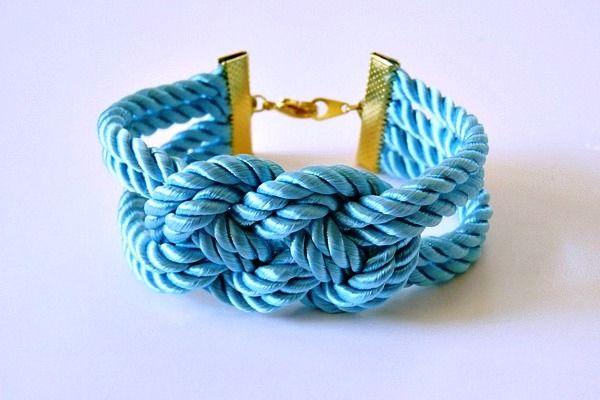 Как сделать браслет из шнурков (10)