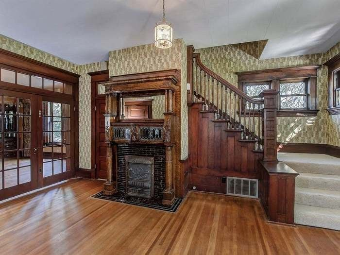 1906 Queen Anne In Boise Idaho | Staircase | Victorian