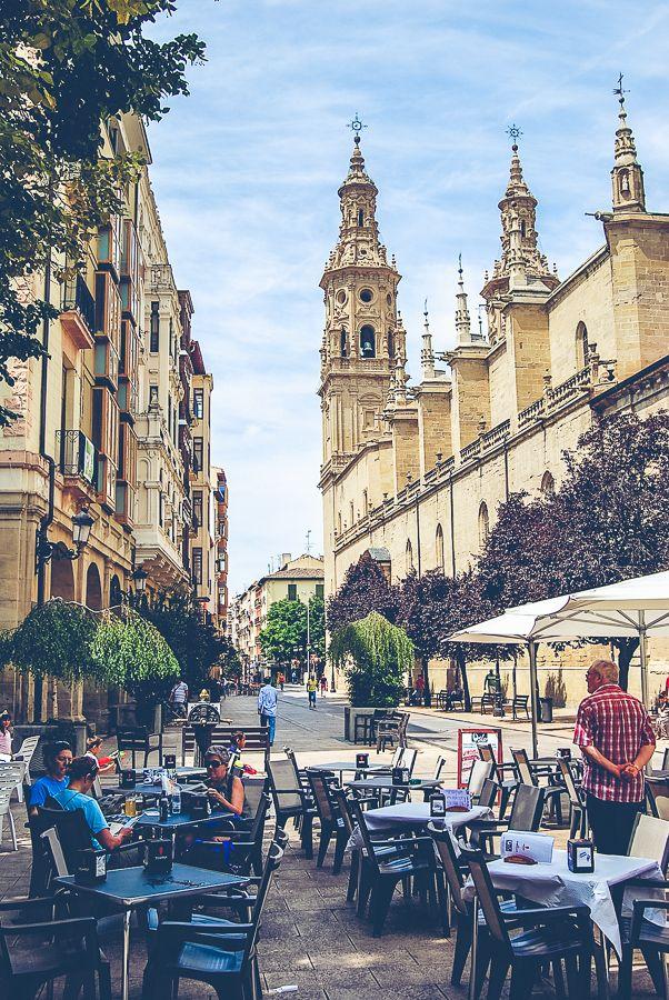 Las terrazas forman parte del paisaje urbano de Portales. Desde ellas, se puede divisar la impresionante vista de la Concatedral de La Redonda. #Logroño
