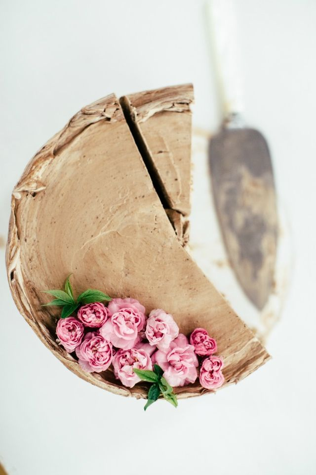 hazelnut cake with crème mousseline and chocolate buttercream | The Vanilla Bean Blog | Bloglovin'