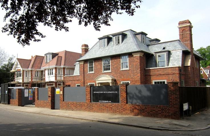 A Walk Around Wimbledon Village