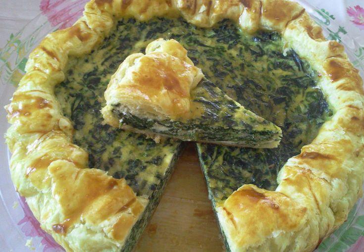 Reteta culinara Tarta cu spanac din categoria Aperitive / Garnituri. Cum sa faci Tarta cu spanac