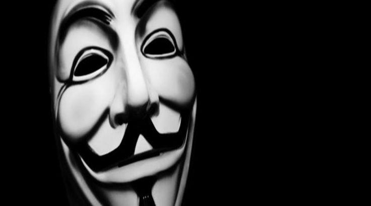 """Os hacktivistas do Anonymous prometeram """"guerra total"""" a Donald Trump, pré-candidato do Partido Republicano com mais chances de concorrer à presidência dos Estados Unidos neste ano    — e as última…"""