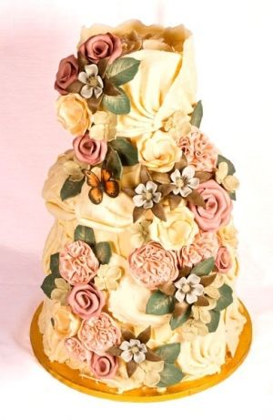 Flowers and ribbons cake