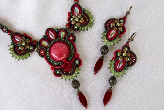 Soutache Necklace /red bordeaux green / by BeadsRainbow on Etsy