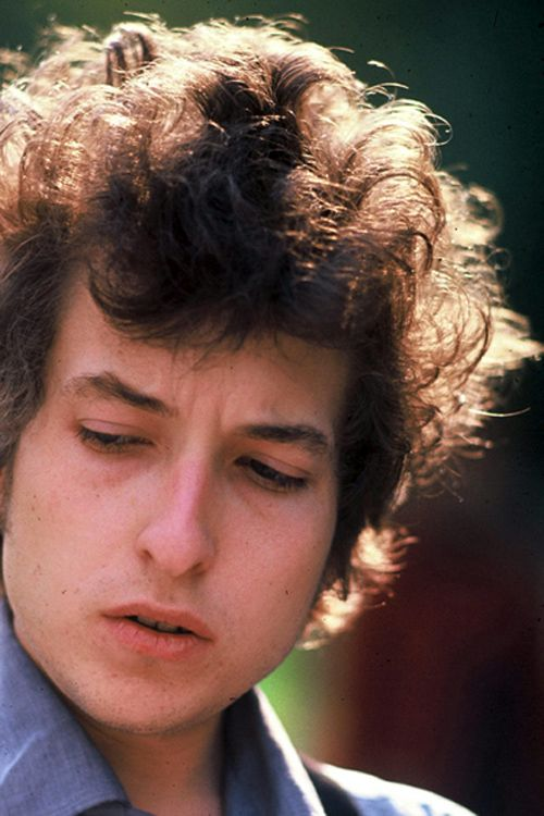 an introduction to the life of robert zimmerman aka bob dylan Born robert allen zimmerman on may 24, 1941, dylan became a prolific songwriter and penned some of the most influential anti-war and civil rights anthems of the 1960s' counterculture.