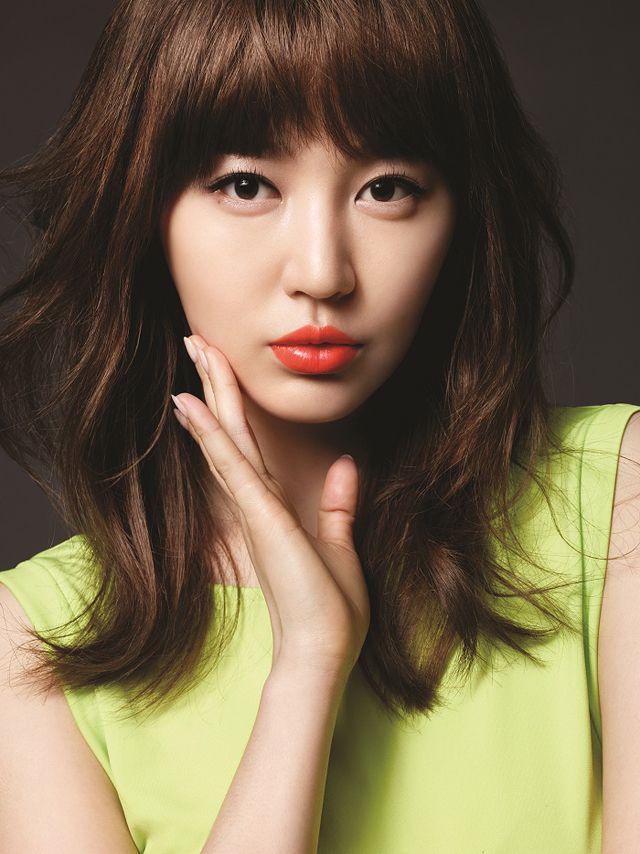 SEXY: Yoon Eun Hye Shows Off Her Gorgeous MAC Lips