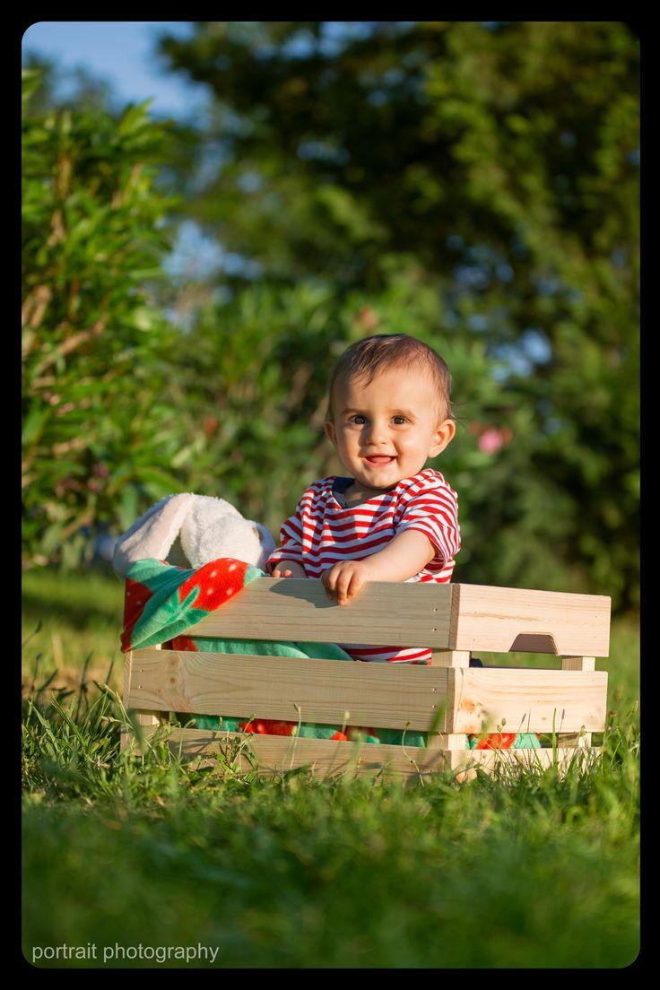 #baby #babyphotoshooting #babyinthebox #box #park #sunnyday #happiness