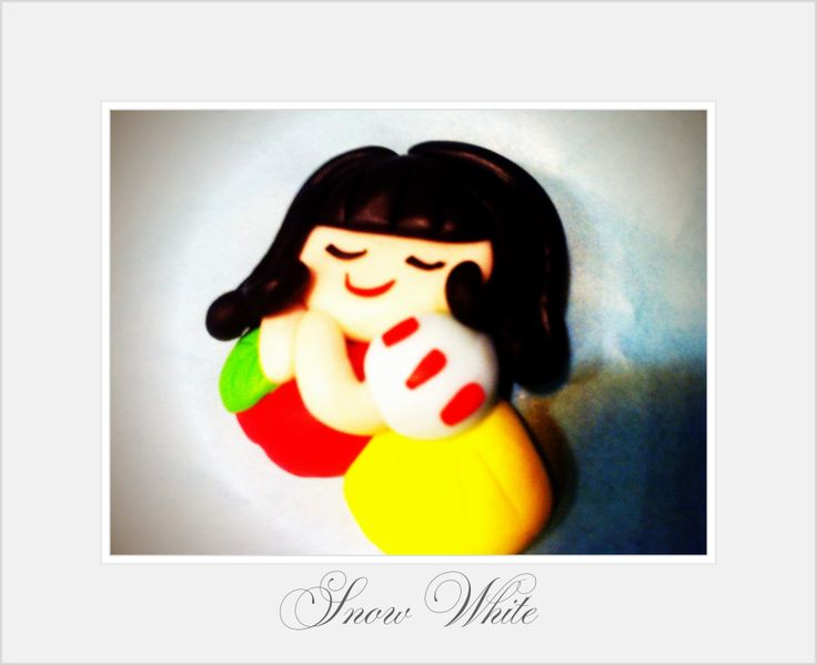 Snow White Fimo Magnet Handmade by My Fairy Cakes