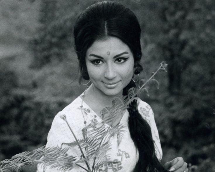 The #AudreyHupburn of #bollywood ~~ #SharmilaTagore