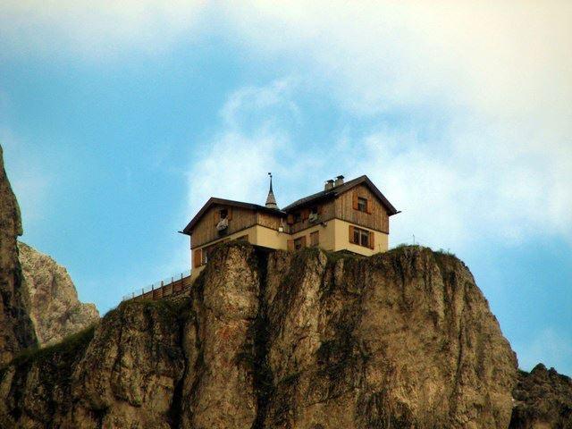 rifugio vajolet - trentino alto adige -italia