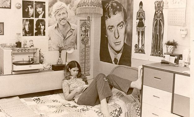 The Grooviest College Dorm Room Of 1973. Uh. I want this room!!!!