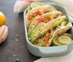 MAKKELIJKE wraps met kip, avocado, tomaat en sla. Een makkelijk recept voor waanzinnig lekkere, goed gevulde wraps. Binnen 45 minuten op tafel! (Recept via BRON)
