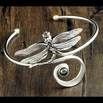 *dragonfly bracelet