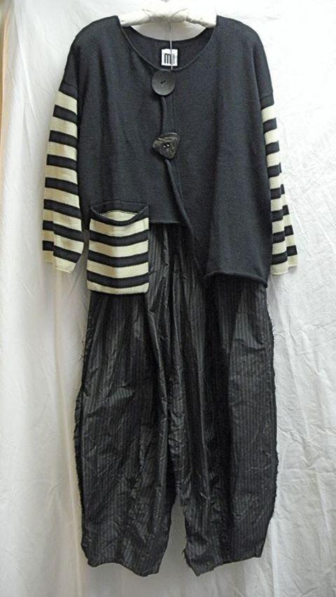 Kati Koos - like it but maybe the pocket in black