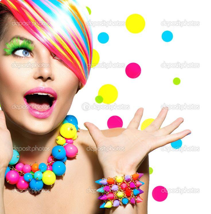 Yükle - Renkli makyaj ile Güzellik Portresi - Stok İmaj #48639295
