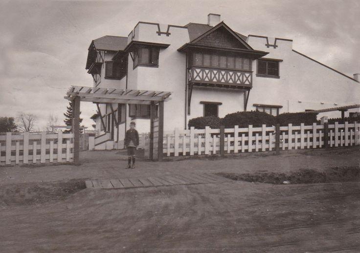 64 Addison Street Goulburn 1920's