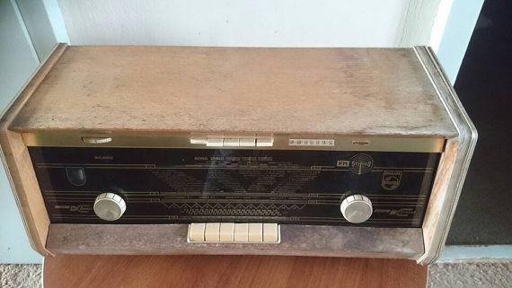 Bekijk dit items in mijn Etsy shop https://www.etsy.com/nl/listing/285430867/vintage-tube-radio-philips-b5x43a-dutch