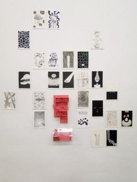 De la casa: miedo  Instalación, dibujos, texto, maqueta y puntos. 2014