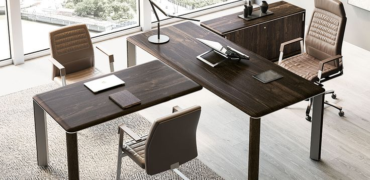 Biurko Szklane Iulio przez Las Mobili, Projektant SI design