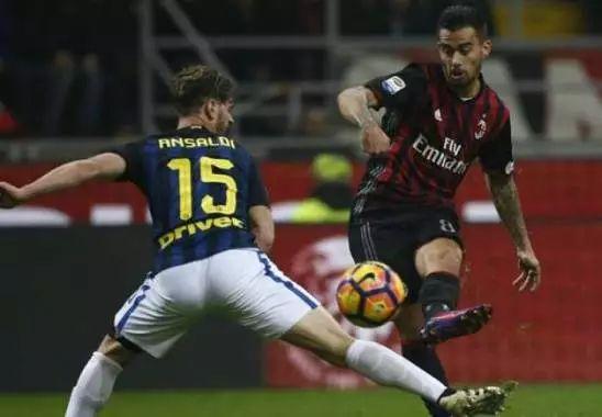 Doppietta al Milan, ma Suso non paga la penitenza