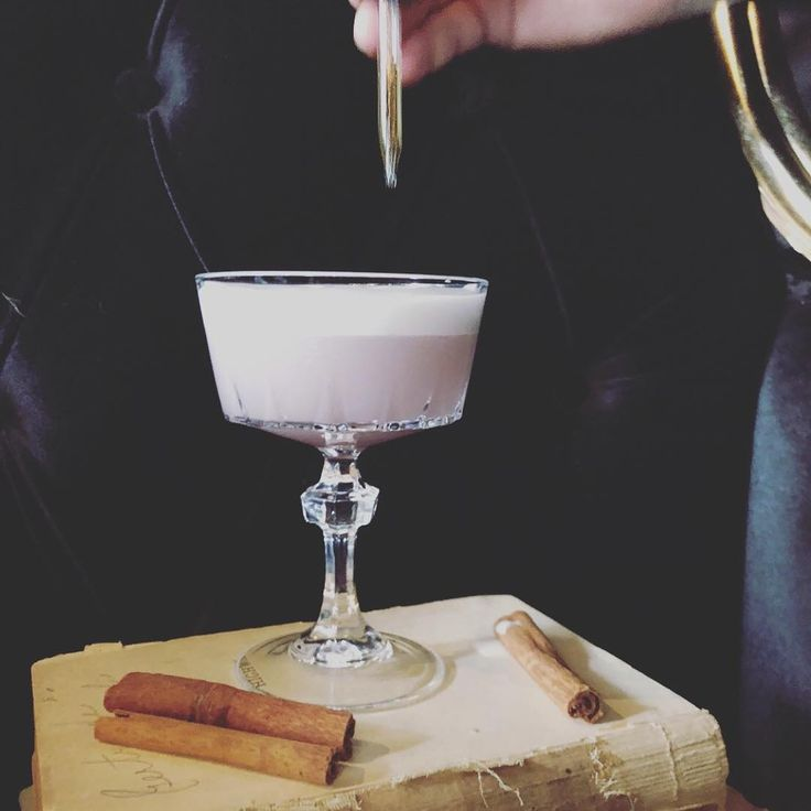 Our featured cocktail for Locals Night this evening is the Cinnamon Fig Pisco Sour our own twist on the South American classic. It's a sweet and sour combination of brandy fresh lime juice egg white angostura grated cinnamon and our homemade fig syrup. Try one today! . . . . . #AlchemyWestSeattle #Alchemy #F2THospitality #Seattle #WestSeattle #Junction #Food #Bartender #Bartending #BartendersGuild #Restaurant #Bar #PNW #IGfood #IGchef #Menu #HappyHour #SeattleFoodie #Cocktail #CraftCocktail…